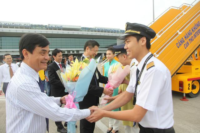 Vietnam Airlines mở đường bay Cần Thơ – Đà Nẵng - Ảnh 1.