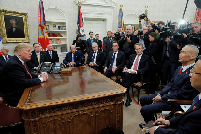 Ông Trump nói sẽ gặp ông Tập trên đường đi gặp ông Kim - Ảnh 1.