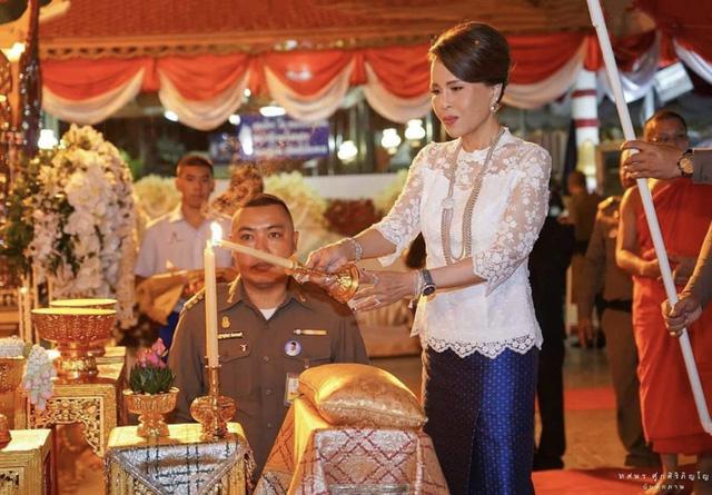 Công chúa Thái Lan từ bỏ kế hoạch tranh cử Thủ tướng - Ảnh 1.