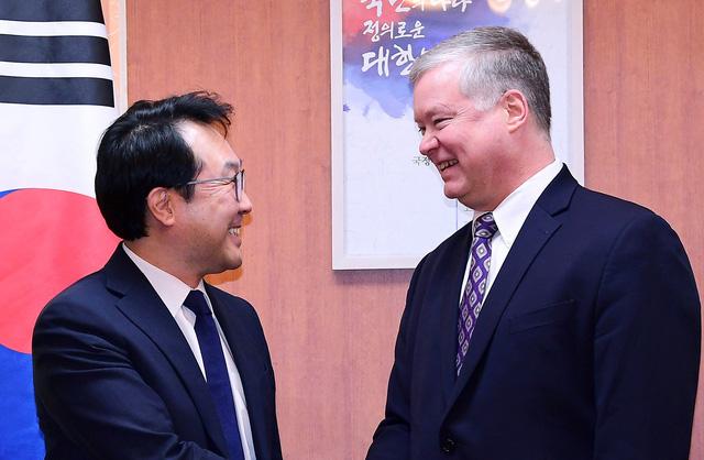 Mỹ - Triều sẽ gặp thêm ở nước châu Á thứ ba trước thượng đỉnh tại Việt Nam - Ảnh 1.