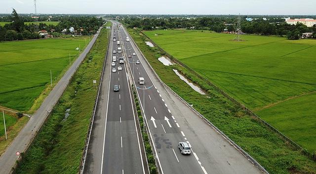 Tăng tốc xây đường cao tốc - Ảnh 1.