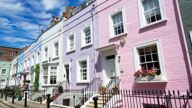 Bất động sản tại những khu vực đắt nhất London giảm giá - Ảnh 1.