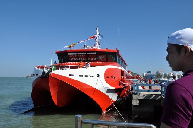 Tàu cao tốc 80 tỉ đồng đi Vũng Tàu- Côn Đảo hơn 3 tiếng đồng hồ - Ảnh 2.