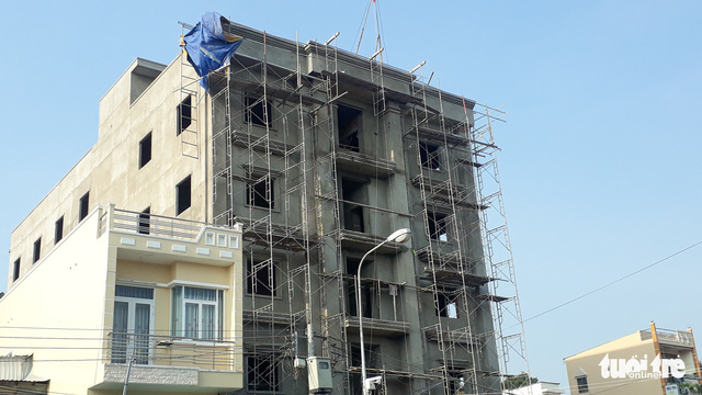 Chưa kịp xử lý vi phạm, tòa nhà 4 tầng đã làm chết 3 người - Ảnh 2.
