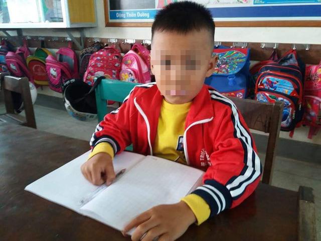 Cảnh cáo cô giáo tát học sinh chảy máu tai - Ảnh 1.