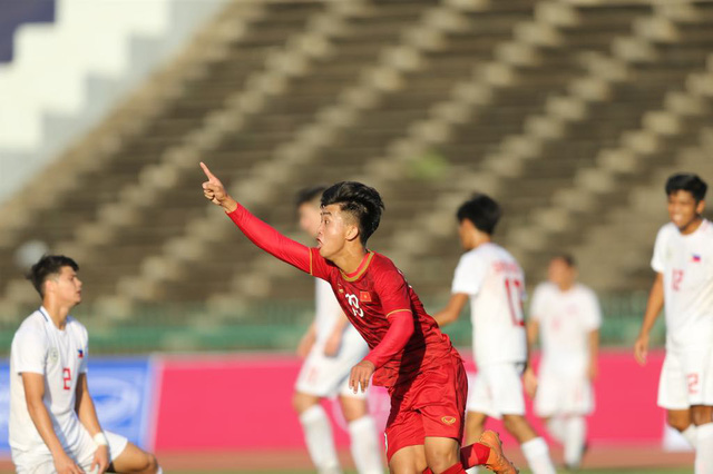 aad7e5c355425 U22 Việt Nam ngược dòng đá bại Philippines 2-1 trận ra quân - Tuổi ...