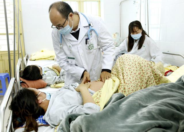 Cô gái Hà Nội bị biến chứng viêm não do mắc sởi ở TP.HCM - Ảnh 1.