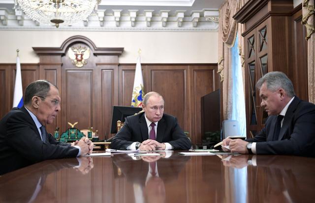 Nga tuyên bố ngưng Hiệp ước INF với Mỹ, sẽ sản xuất tên lửa siêu thanh - Ảnh 1.