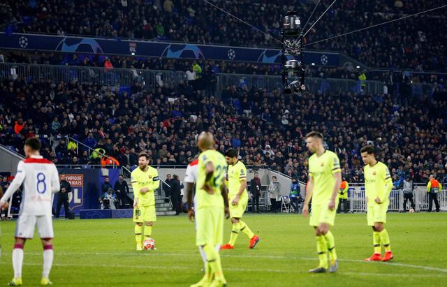 Lyon kiên cường cầm chân Barcelona - Ảnh 2.