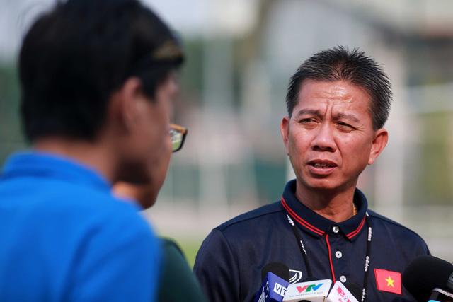 HLV Park Hang Seo tham vấn HLV Hoàng Anh Tuấn xây dựng U23 VN - Ảnh 1.