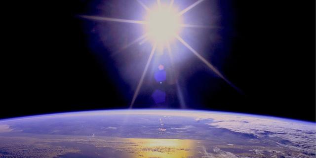 Con người sẽ xài điện từ trạm năng lượng mặt trời trong không gian? - Ảnh 1.