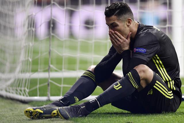Ronaldo ngả mũ trước Simeone - Ảnh 2.