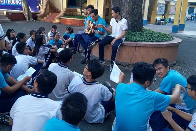 Học sinh sáng tác nhạc kêu gọi bảo vệ môi trường - Ảnh 1.