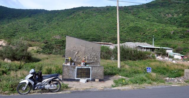 Chi hàng chục tỉ đồng đưa rác từ Côn Đảo về đất liền xử lý - Ảnh 6.