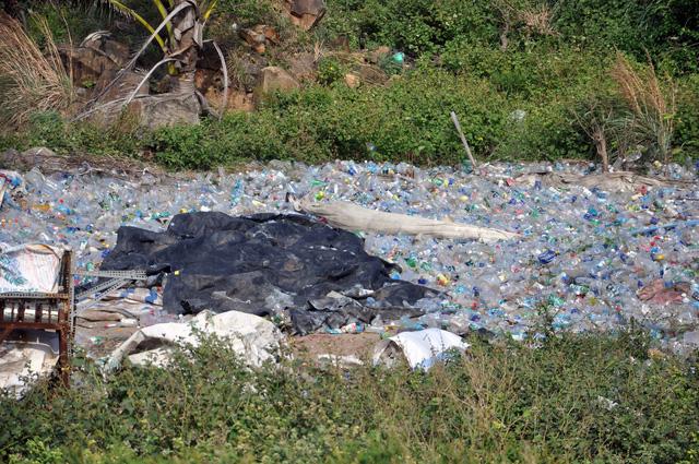 Chi hàng chục tỉ đồng đưa rác từ Côn Đảo về đất liền xử lý - Ảnh 5.