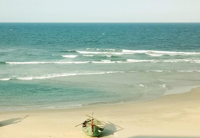 Tắm biển Quảng Nam, người phụ nữ Hà Nội tử vong khi cứu bạn đuối nước - Ảnh 1.