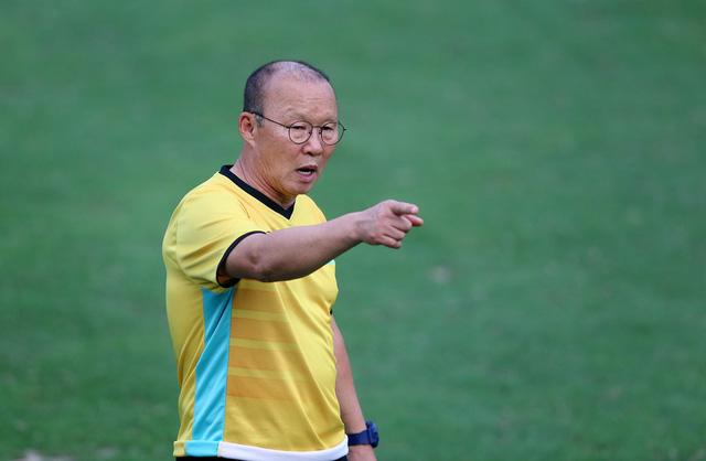 VFF chính thức giao trợ lý Lee Young Jin làm HLV trưởng U-22 Việt Nam dự SEA Games 30 - Ảnh 2.