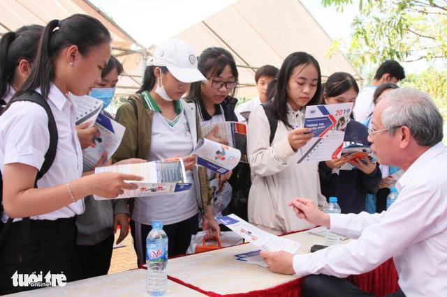 Tuổi Trẻ tư vấn tuyển sinh hướng nghiệp tại Đắk Lắk - Ảnh 1.