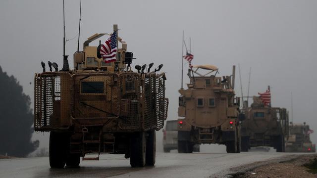 Mỹ để lại Syria 200 binh sĩ sau khi rút quân về nước - Ảnh 1.