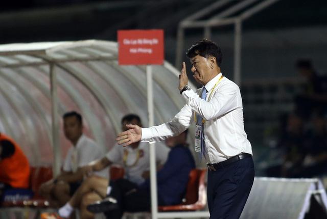Hoàng Thiên cứu màn ra mắt của HLV Chung Hae Seong - Ảnh 3.