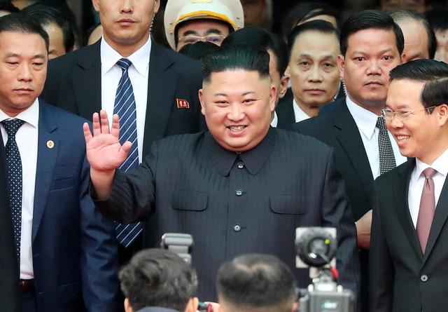 Nhà lãnh đạo Triều Tiên tươi cười rạng rỡ khi đặt chân tới Đồng Đăng - Ảnh 1.