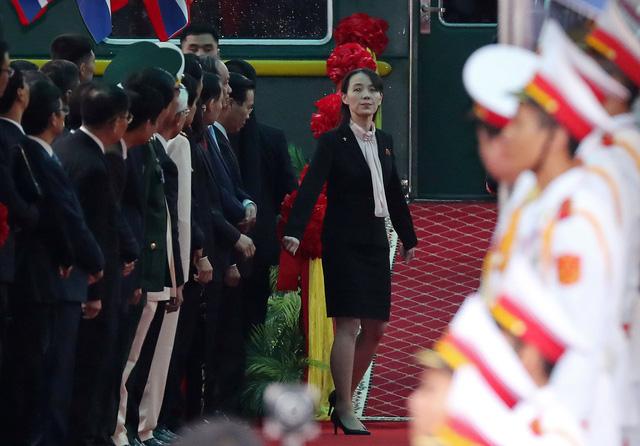 Nhà lãnh đạo Triều Tiên tươi cười rạng rỡ khi đặt chân tới Đồng Đăng - Ảnh 13.