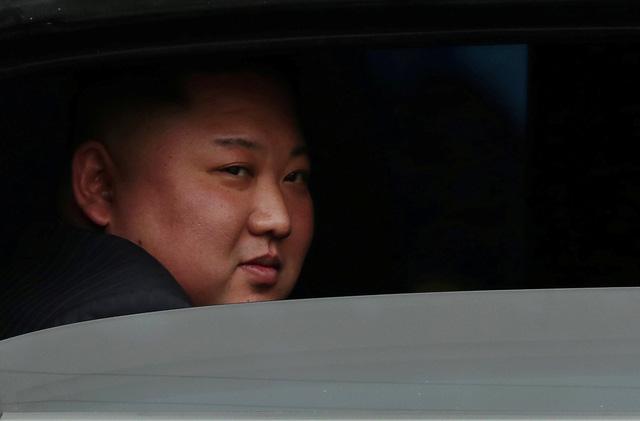 Nhà lãnh đạo Triều Tiên tươi cười rạng rỡ khi đặt chân tới Đồng Đăng - Ảnh 9.