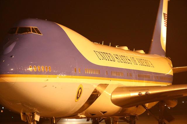 Air Force One của Tổng thống Mỹ Donald Trump đã đến Nội Bài - Ảnh 3.