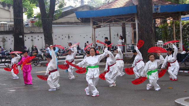 Thi ảnh Mùa yêu thương: Buổi sáng Sài Gòn - Ảnh 1.