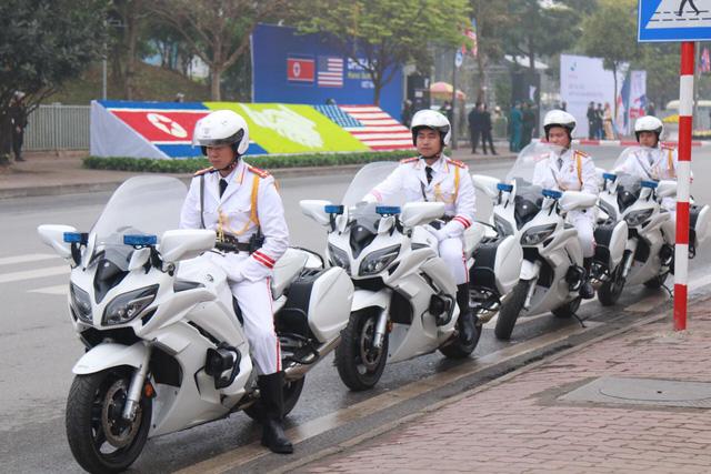 Lãnh đạo Mỹ - Triều bắt đầu cuộc gặp thứ 2 ở khách sạn Metropole - Ảnh 2.