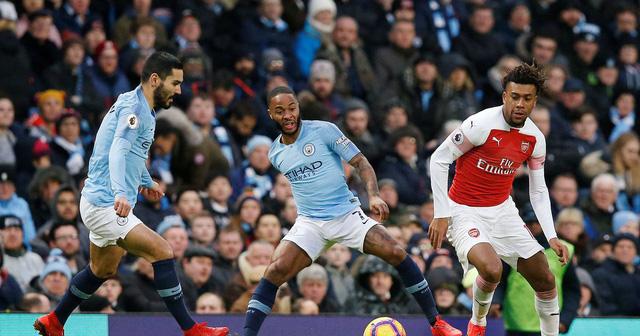 Thắng đậm Arsenal, Man City cách đỉnh bảng 3 điểm - Ảnh 2.