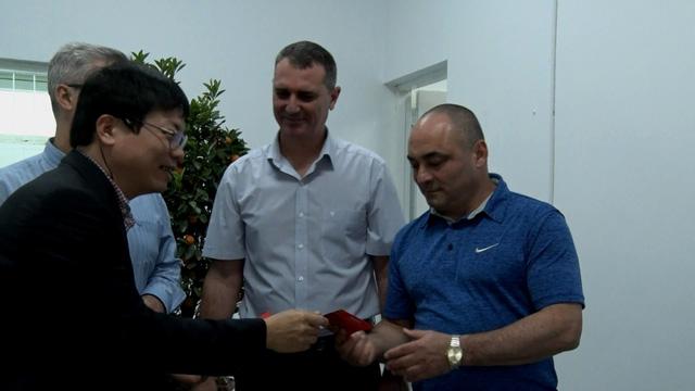 Bác sĩ Cuba lần đầu đón tết Việt - Ảnh 3.