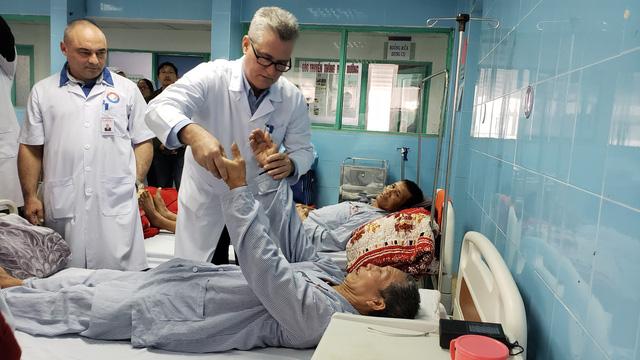 Bác sĩ Cuba lần đầu đón tết Việt - Ảnh 7.