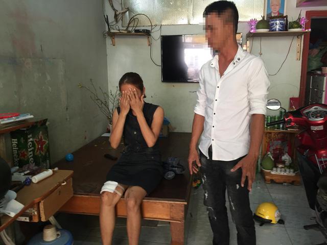 Bắt nghi can đặt thuốc nổ trong micro làm hai mẹ con bị thương - Ảnh 2.