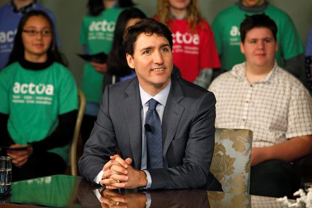 Thủ tướng Canada viết Chúc mừng năm mới để chúc Tết Việt - Ảnh 1.
