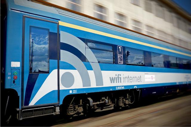 Sẽ lắp WiFi trên toàn bộ tàu khách Bắc-Nam - Ảnh 1.