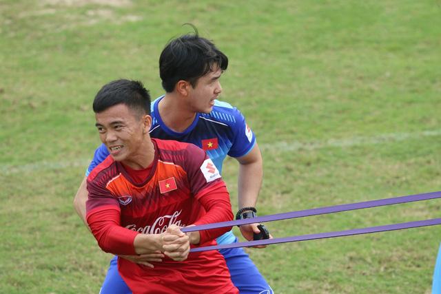 """Thủ môn Bùi Tiến Dũng: """"Tuyển U-23 Việt Nam quyết vượt qua Thái Lan và Indonesia"""" - Ảnh 3."""