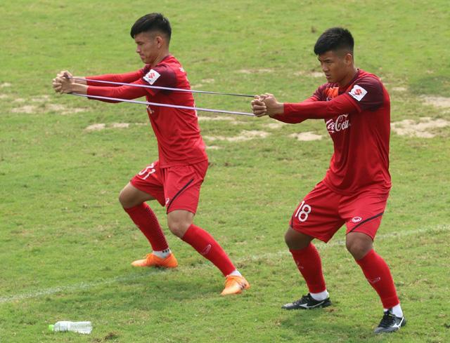 """Thủ môn Bùi Tiến Dũng: """"Tuyển U-23 Việt Nam quyết vượt qua Thái Lan và Indonesia"""" - Ảnh 2."""