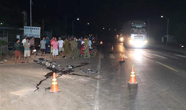 Bình Phước: Tai nạn giao thông, 2 thanh niên chết, 1 tài xế bị thương nặng - Ảnh 2.