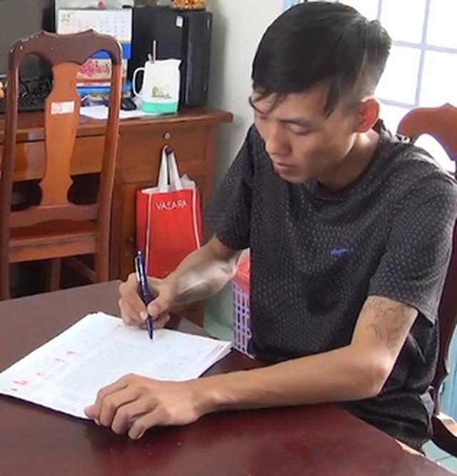 Kiên Giang bắt băng nhóm cho vay nặng lãi 20%/tháng - Ảnh 1.