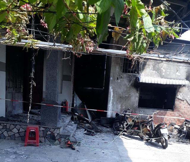 Cháy kiôt sửa điện tử, 3 người trong một gia đình tử vong - Ảnh 3.
