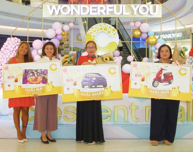 Crescent Mall tặng quà khách hàng nhân dịp sinh nhật lần thứ 7 - Ảnh 2.