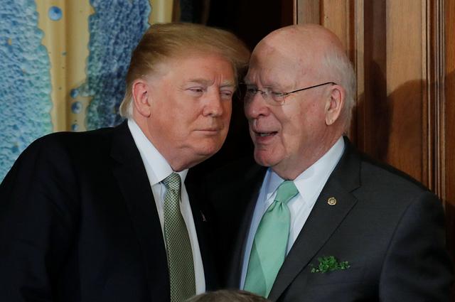 Ông Trump tuyên bố dùng quyền phủ quyết khi bị Thượng viện 'dằn mặt' - Ảnh 1.