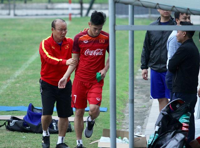 Đình Trọng còn cơ hội dự vòng loại Giải U-23 châu Á, Tiến Linh phải chờ - Ảnh 1.