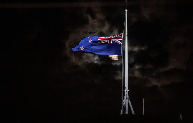Thủ tướng Jacinda Andern: New Zealand sẽ phải sửa luật sở hữu súng - Ảnh 1.