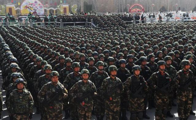 Trung Quốc tuyên bố bắt giam 13.000 tên khủng bố ở Tân Cương - Ảnh 1.