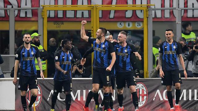 Inter đá bại AC Milan trong trận derby kịch tính có 5 bàn thắng - Ảnh 2.