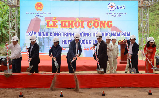 EVN tài trợ 29 tỉ đồng xây dựng lại cụm trường học tại xã Nặm Păm - Ảnh 1.