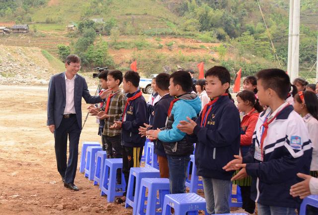 EVN tài trợ 29 tỉ đồng xây dựng lại cụm trường học tại xã Nặm Păm - Ảnh 3.