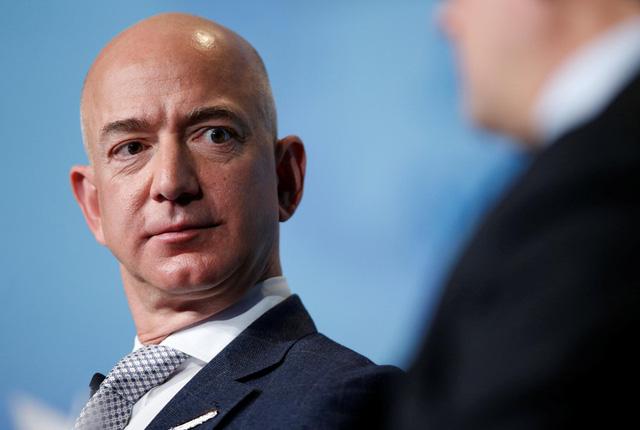 Bill Gates gia nhập câu lạc bộ 100 tỉ USD cùng ông chủ Amazon - Ảnh 2.